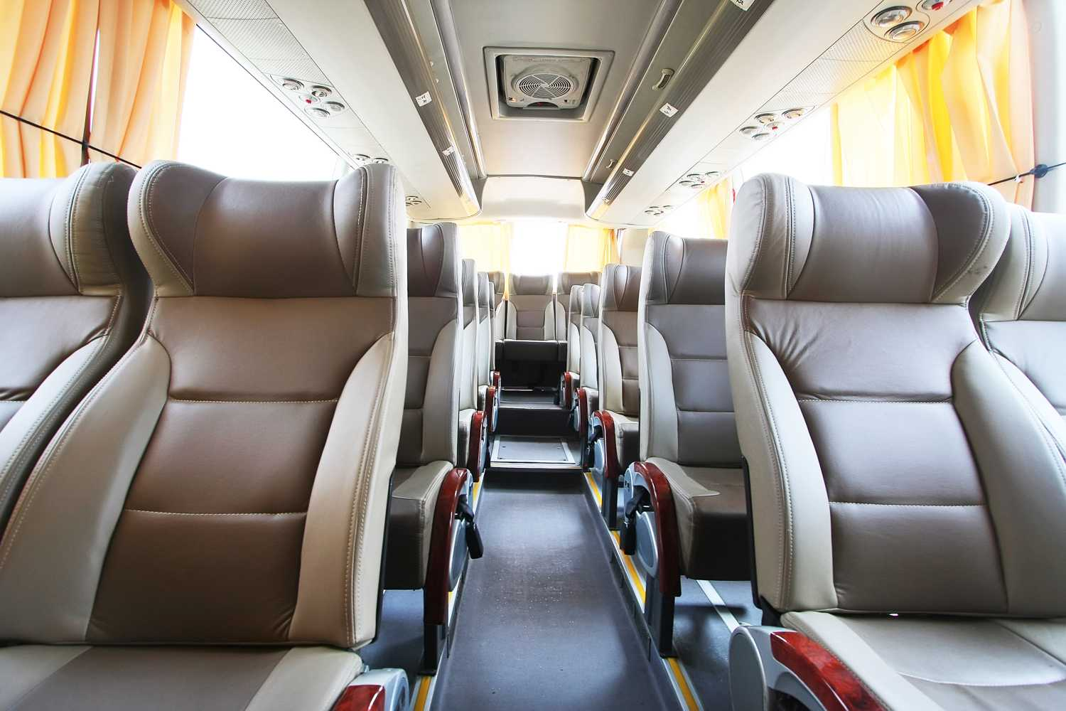 neat & clean coach bus from coachwest
