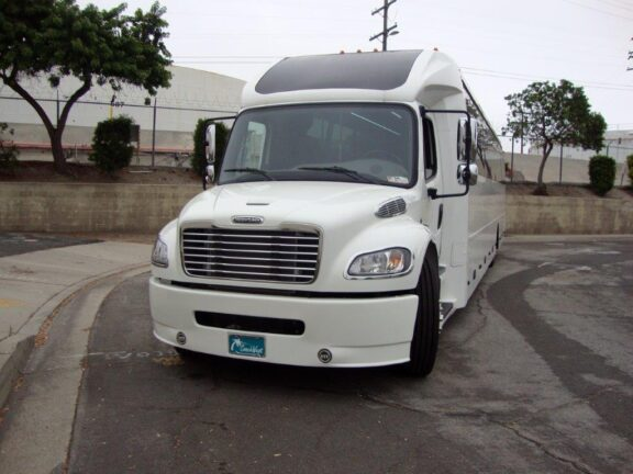 2021 Freightliner Executive Bus Builders ECoach 45 Wide Body Front view